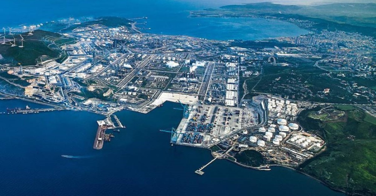 An aerial view of Aliau011fa peninsula in the Aegean province of u0130zmir where SOCAR has carried out its largest investments in Turkey.