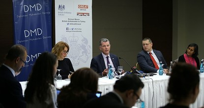 pBritain's ambassador to Ankara Richard Moore has said that the U.S-led coalition against Daesh was aware of the evacuation of Daesh terrorists from Raqqa under a deal with the Syrian Democratic...