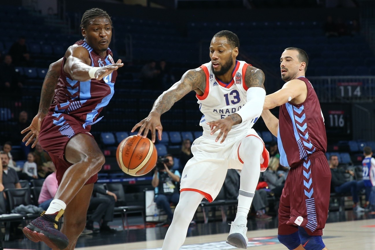 Anadolu Efesu2019s last four losses have all been by double figures, but Sonny Weems has made a good start to his spell with the club by averaging 20 points in his last two games.