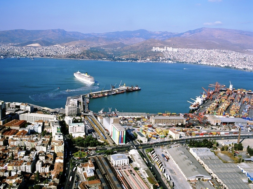 Net exports contributed nearly 1 percent to the 5.2 percent overall growth of the Turkish economy in the second quarter of this year.
