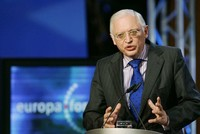 Der frühere EU-Kommissar Günter Verheugen hat das Vorgehen des Westens gegen Russland nach dem Giftanschlag in Großbritannien erneut kritisiert. Die Vorwürfe gegen Russland würden auf