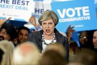 Die britische Premierministerin Theresa May will im Kampf gegen den Terrorismus notfalls auch die Menschenrechte einschränken.  Die Bewegungsfreiheit von Terrorverdächtigen müsse beschnitten, die...