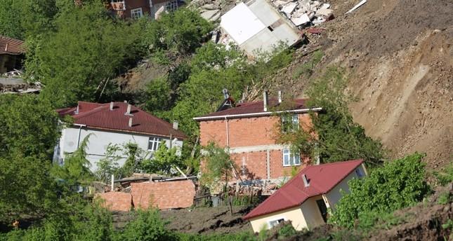Major landslide destroys 53 buildings, mosque in northern Turkey's Ordu