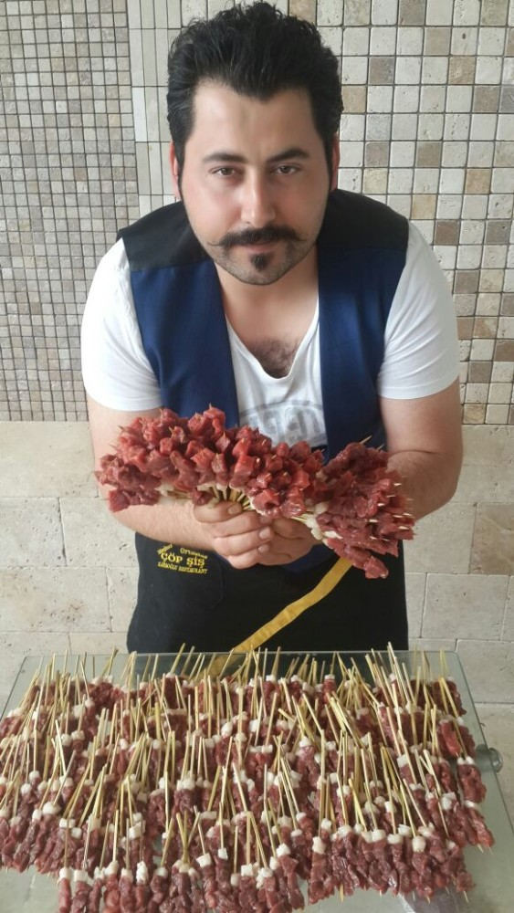 Turkish Kebab Maker Enters Guinness World Records Daily Sabah