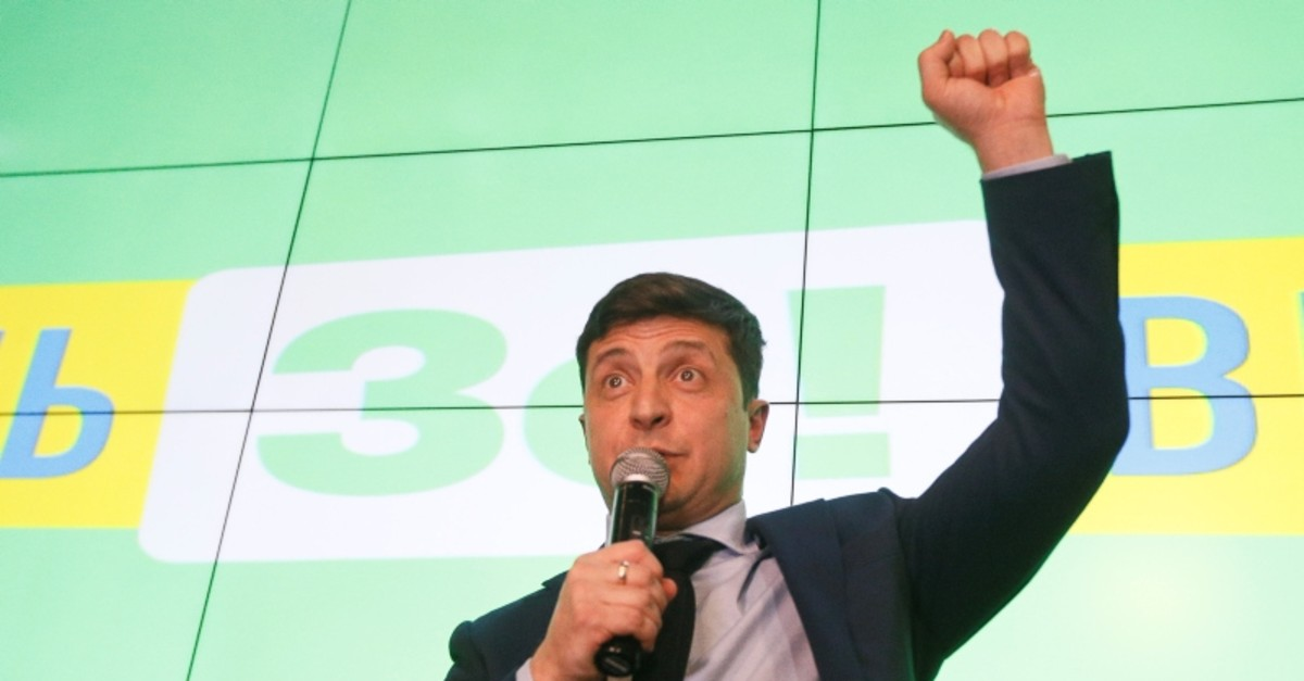Ukrainian comic actor and presidential candidate Volodymyr Zelenskiy delivers a speech following the announcement of the first exit poll in a presidential election at his campaign headquarters in Kiev, Ukraine, March 31, 2019. (Reuters Photo)