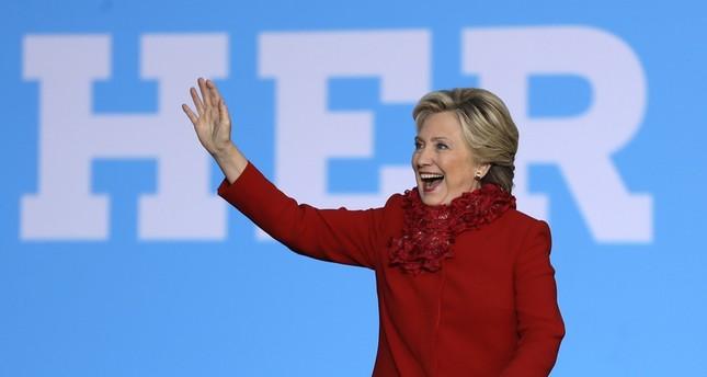 ويكيليكس: كلينتون تلقت مسبقاً أسئلة المناظرات