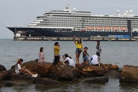 Virus concerns rise after Cambodia's acceptance of cruise ship