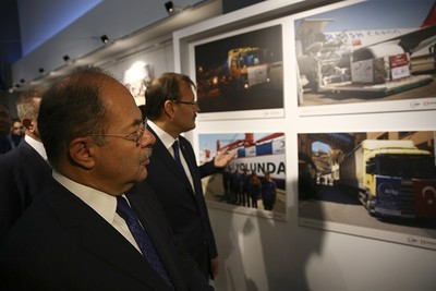 Akdağ (L) and Çavuşoğlu attended to the exhibition in Ankara. (AA Photo)