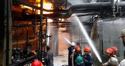 اندلاع حريق في مصفاة نفط حمص والنظام يعلن إخماده