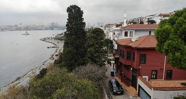 Eurobank Kos. SH. A, used this mansion overlooking the Bosporus as its headquarters.