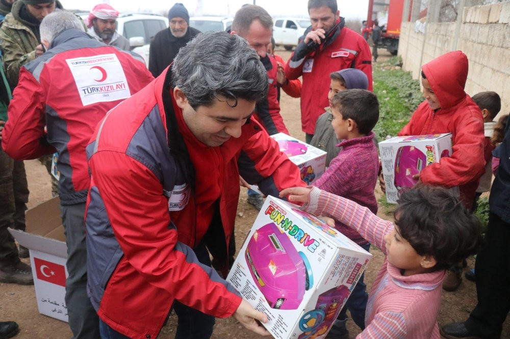 Turkish Red Crescent crews deliver toys to children in Afrin on Feb. 18, 2018.