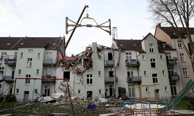 Building Blowing Up : German man detained for blowing up building in suspected