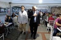 الجالية اليهودية في تركيا تقيم إفطاراً رمضانيا لجيرانهم المسلمين