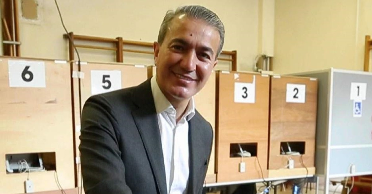 This file photo shows Turkish-origin Belgian politician Emir K?r voting in federal elections in May 2019. (AA Photo)