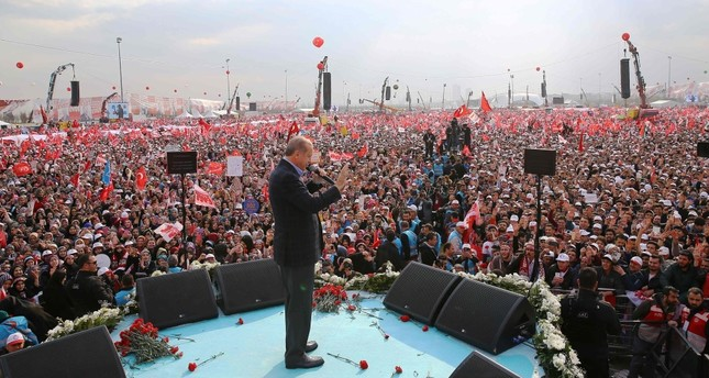 President Erdoğan delivering a speech during a campaign rally for the yes vote in Sunday's constitutional referendum at the Yenikapı Square in Istanbul, April 8. (AFP Photo)