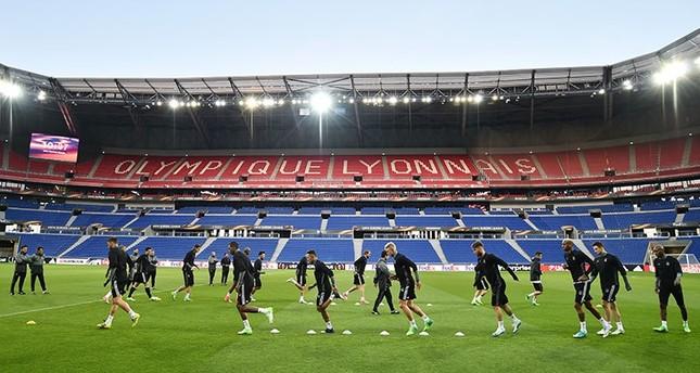 Beşiktaş players conduct their last training at the The Parc Olympique Lyonnais, Lyon, April 4, 2017. (AA Photo)