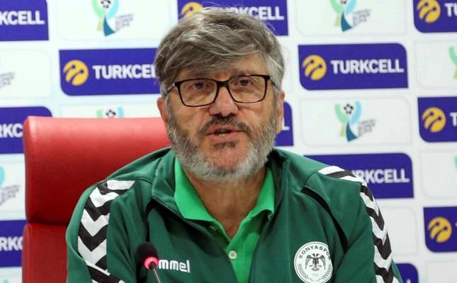 Konyaspor coach Mustafa Reşit Akçay