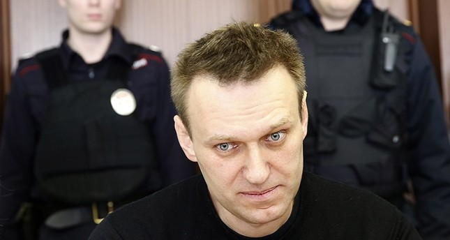 Russian opposition leader Alexei Navalny (C) attends a hearing at the Moscow City Court in Moscow, Russia, 30 March 2017. (EPA Photo)