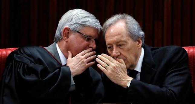 Brazil's prosecutor calls for arrest of Senate president, top politicians in corruption case