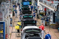 Over 400,000 German jobs at risk in switch to electric cars