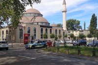 Mosque in Germany evacuated over bomb threat