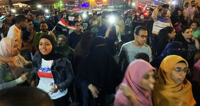 Egyptians demand end to Sisi regime as Tahrir square flooded with crowds