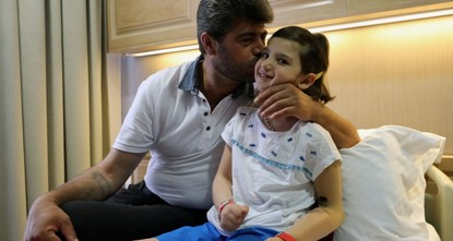 8-year-old Syrian girl gets to walk again after treatment in Turkey
