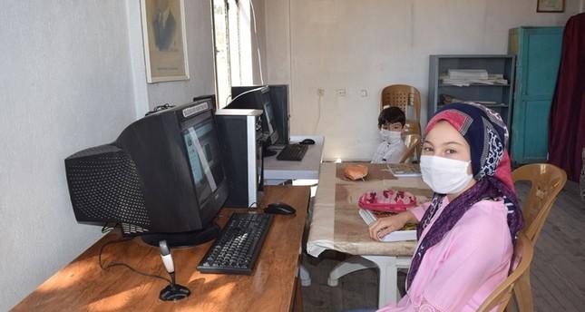 المعلمون جنود حقيقيون في ساحات التعليم الافتراضي والواقعي وجهاُ لوجه مع كورونا