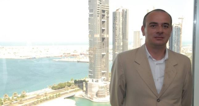 الإمارات تفرج عن الصحفي الأردني النجار والأخير يصل إلى عمّان
