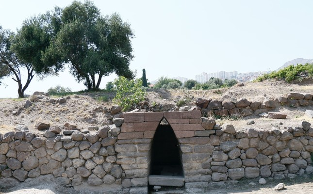 2,700 year-old ancient fountain in the Old İzmir