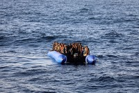 Up to 100 migrants missing, 17 rescued in shipwreck off Libya