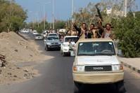 مقاتلون حوثيون في الحديدة من الأرشيف