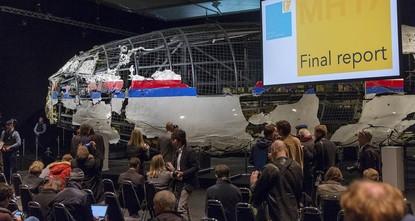 بوتين: الصاروخ الذي أسقط الطائرة الماليزية في أوكرانيا ليس روسيا