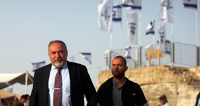 ليبرمان يطالب الأسد بإبعاد سليماني وفيلق القدس من سوريا
