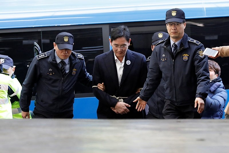 Samsung Group chief, Jay Y. Lee arrives at the office of the independent counsel team in Seoul, South Korea, February 18, 2017. (Reuters Photo)