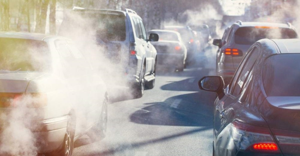 Emissions from cars are among major pollutants in the big cities of Turkey. (DHA Photo)