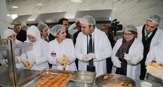 بهدف توفير فرص عمل للسيدات.. بلدية أورفا تفتتح مطبخاً تركياً سورياً