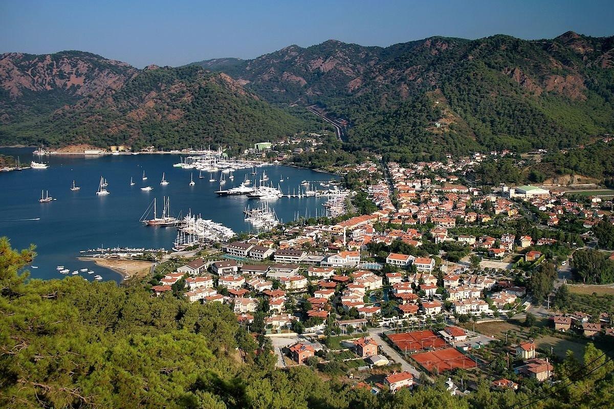 Located on the southwestern coast of Turkey, Dalaman is home to the popular holiday resorts of Fethiye, Marmaris and u00d6lu00fcdeniz.