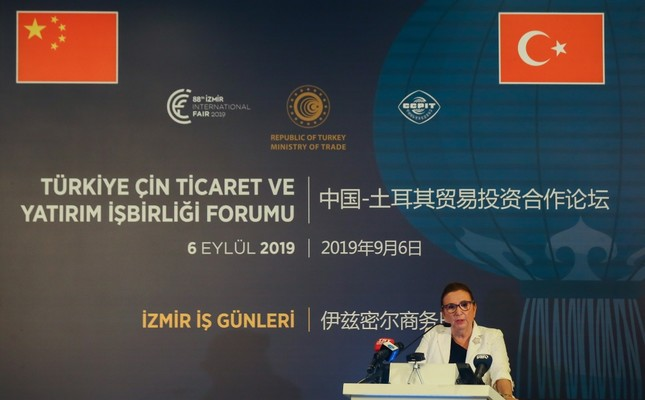 Trade Minister Ruhsar Pekcan delivers an address at the Turkey-China Business Forum held as part of the 88th İzmir International Fair, Sept. 6, 2019.
