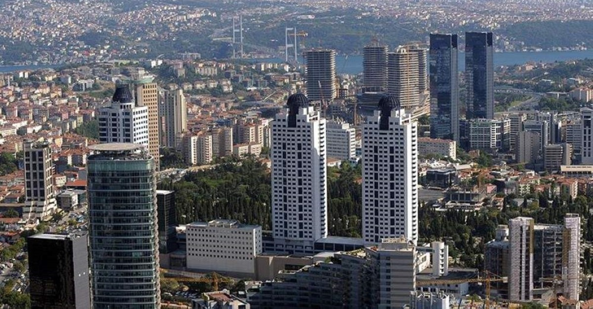 A view of Istanbul with skyscrapers in the foreground. The new bill seeks to limit the number of floors in any given area. (AA Photo)