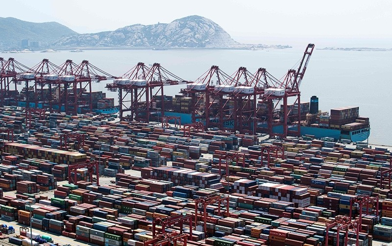 A general view of the Yangshan Deep-Water Port, an automated cargo wharf, in Shanghai on April 9, 2018 (AFP Photo)