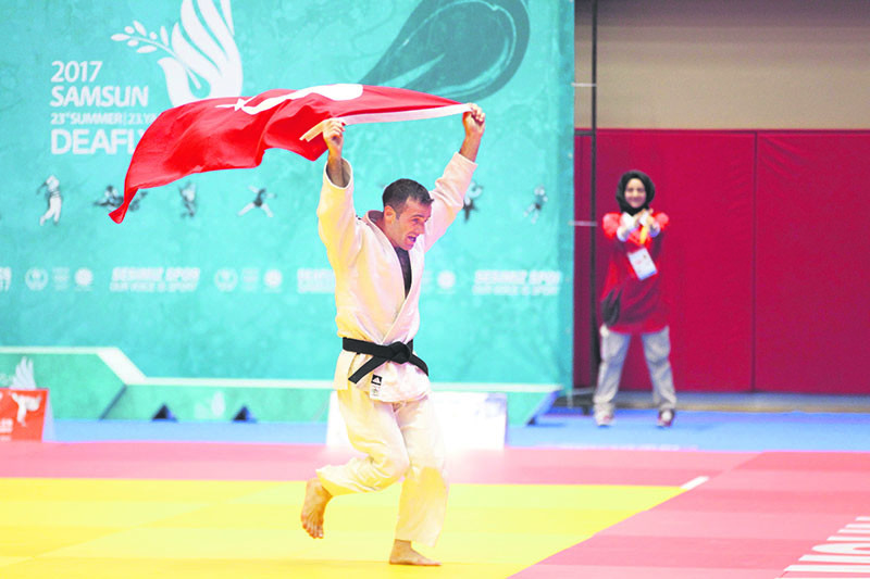 Turkish double Erkan Esenbou011fa - Abdullah Sevinu00e7 gained the gold medal in Deaflympics Samsun 2017.