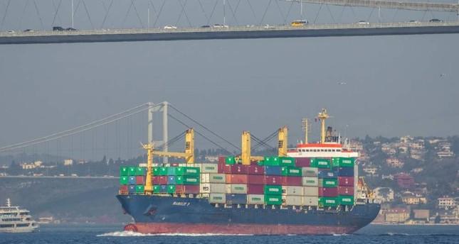 A container ship passing under the Bosporus Bridge, Istanbul, Jan. 22, 2015. (iStock Photo)