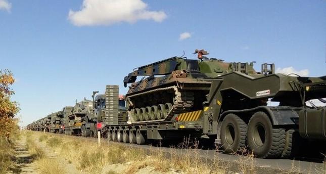 الجيش التركي يدفع بتعزيزات عسكرية كبيرة إلى الحدود مع العراق