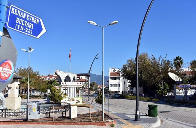 A street sign for Kenan Evren Boulevard in Marmaris where the coup leader spent his retirement. DHA Photo