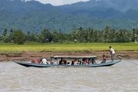 Mindestens 20 Rohingyas sind auf der Flucht von Myanmar nach Bangladesch ertrunken. Zwei Boote mit Flüchtlingen aus der muslimischen Minderheit seien in der Nacht gekentert, teilte ein Sprecher der...