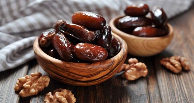 Dates: The sacred fruit during Ramadan - Daily Sabah