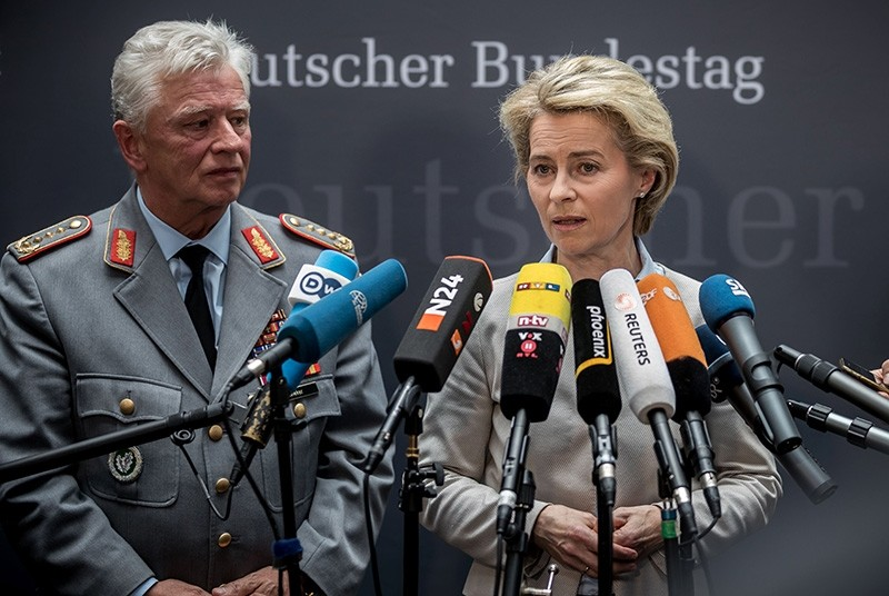 German Defence Minister Ursula von der Leyen (R) and Volker Wieker, inspector general of the German armed forces Bundeswehr, give a statement on May 10, 2017 in Berlin (AFP Photo)