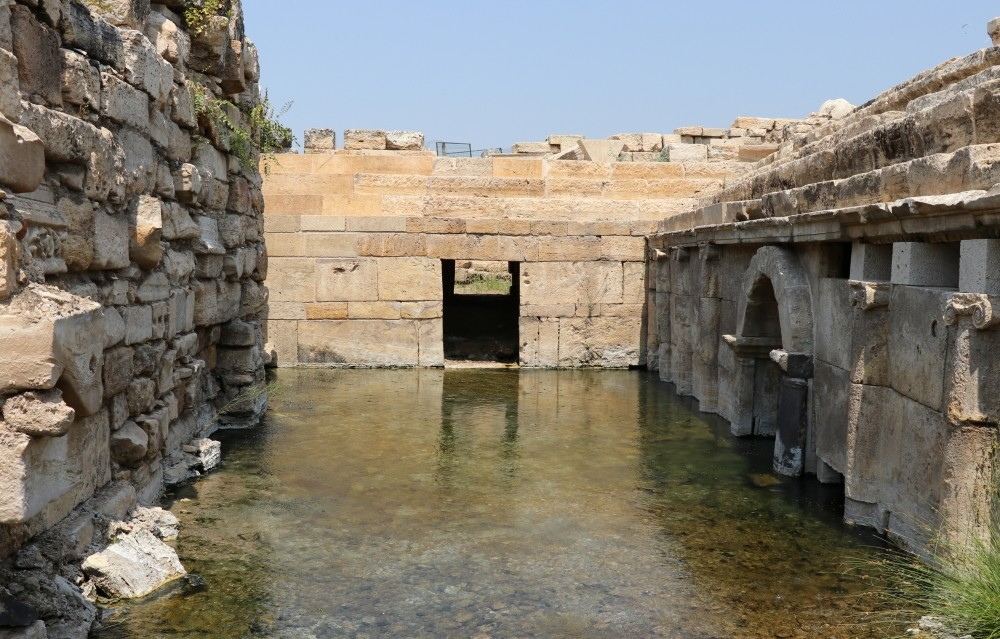 In ancient times, the Romans believed that the place was the gateway to hell and sacrificed bulls in there.