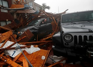 Michael: strongest US storm in decades batters Florida